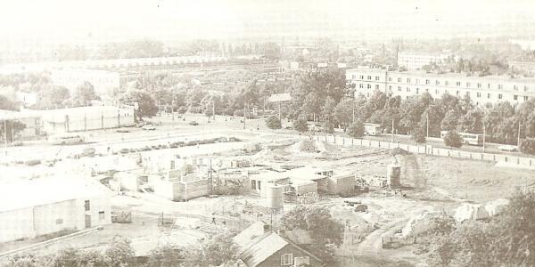 plac na którym stoi kościół sw Kolbego przy Drodze Meczennikow Majdanka