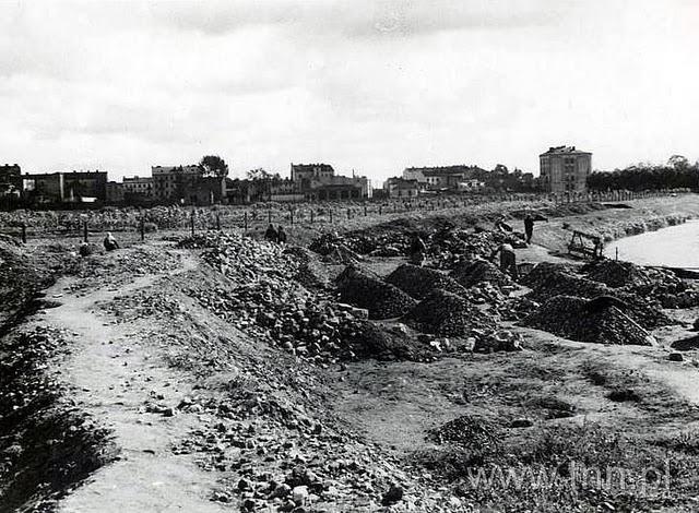 udowa stadionu przy Piłsudskiego (Start) podany rok ok 1940, budowa wału
