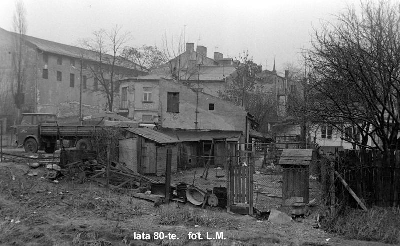ulica garbarska zdjecie wykonane z okolic Czerniejówki po lewej stronie widac burzone zabudowania dawnych zakladow kośmińskiego, w okolicach ul Krętej